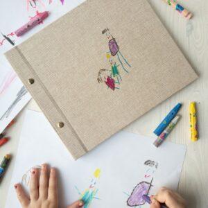 Narysuj sobie! Album śrubowany z ilustracją dziecka