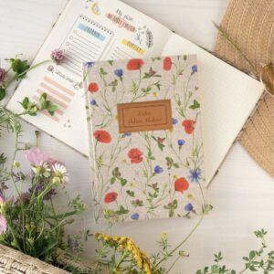 Personalizacja okładki – łąka pełna kwiatów